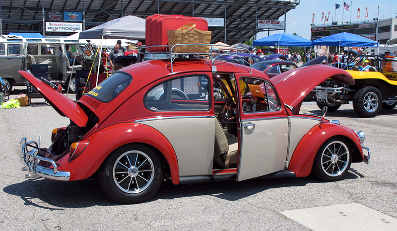 2015_05_24_Bug-Out77 - Nice-Two-Tone-Red-White-Ride.jpg