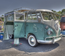 21 Window VW Bus at C3V - Side View